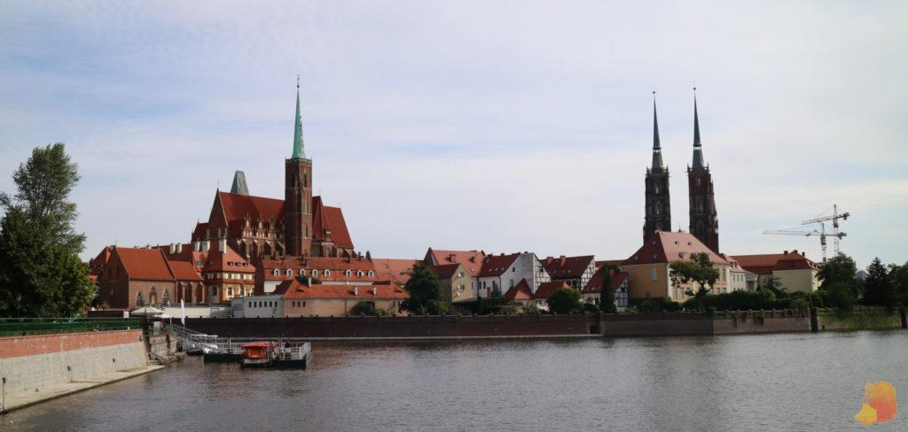 La isla de la Catedral vista desde otra de las islas