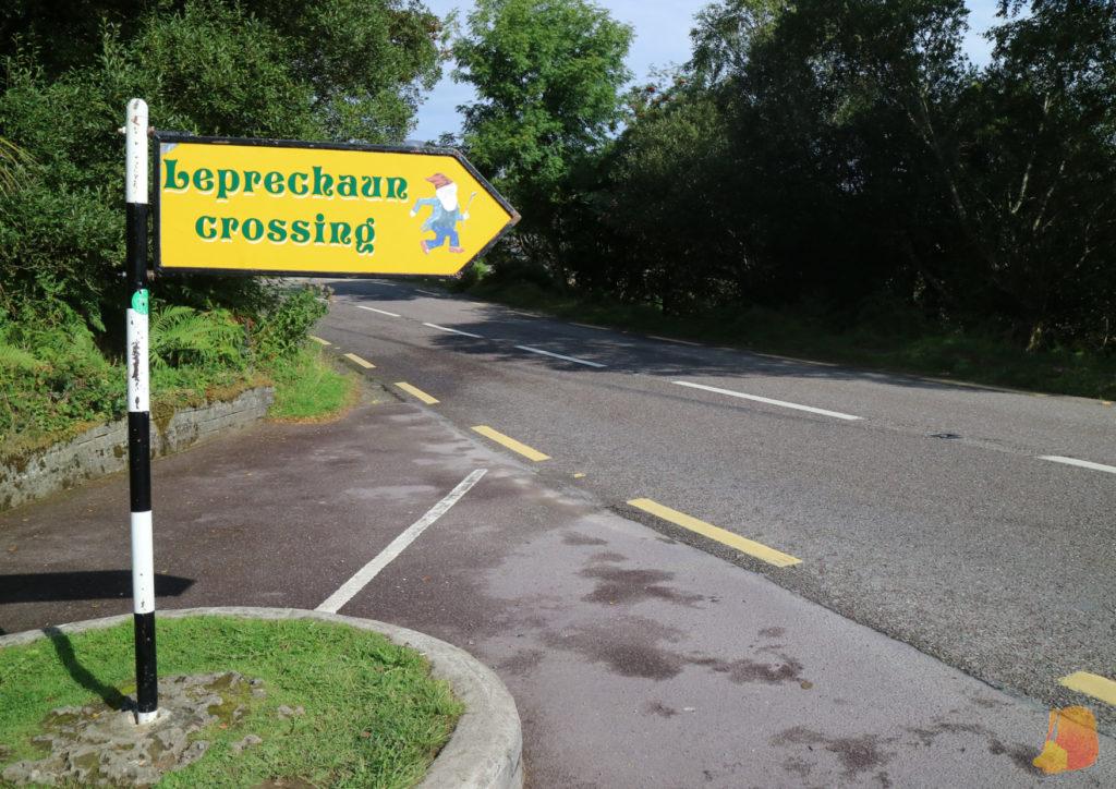 Señal que pone: Leprechaun crossing
