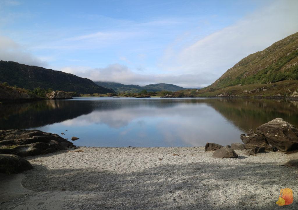 Playa en uno de los lagos de Killarney