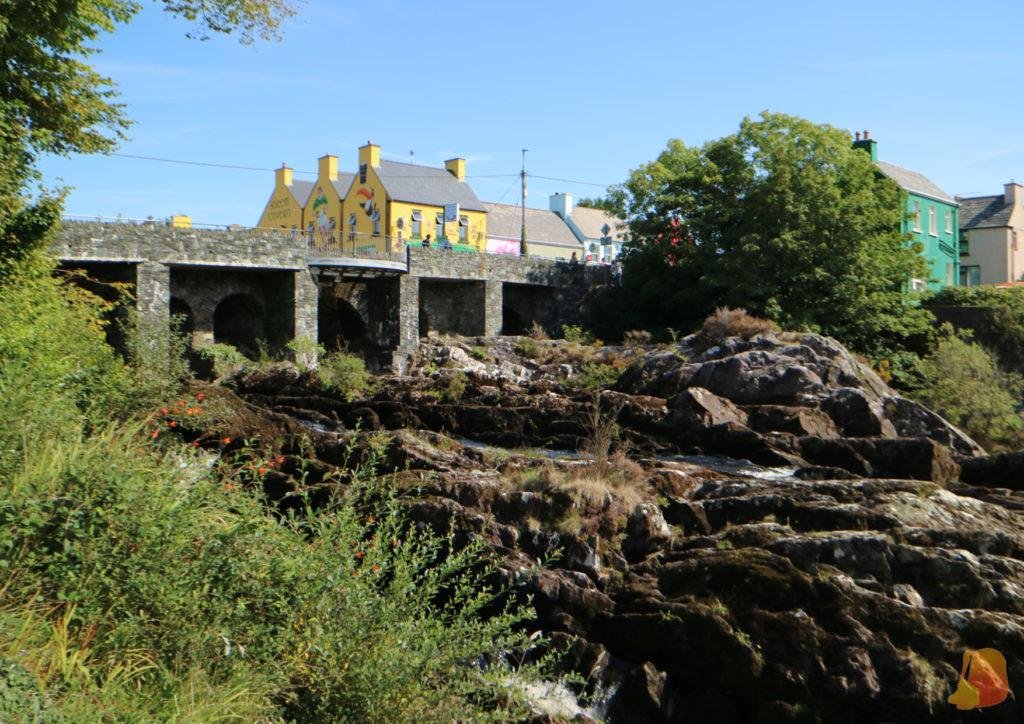 Río Sneem bajo el puente