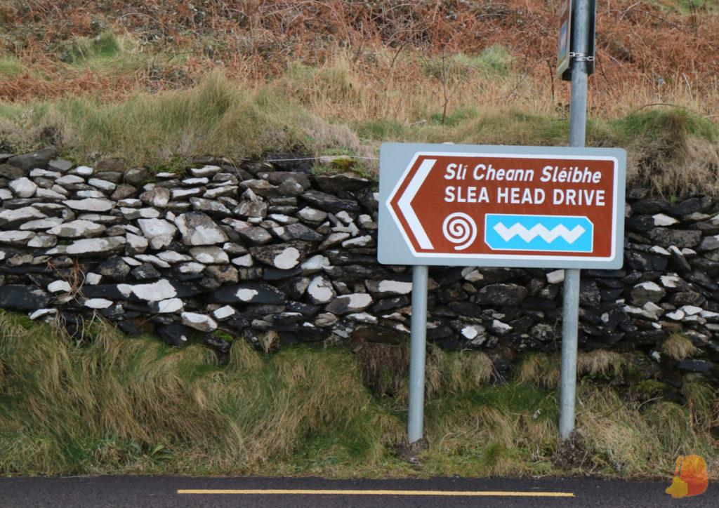 Indicaciones en la carretera para el Slea Head Drive