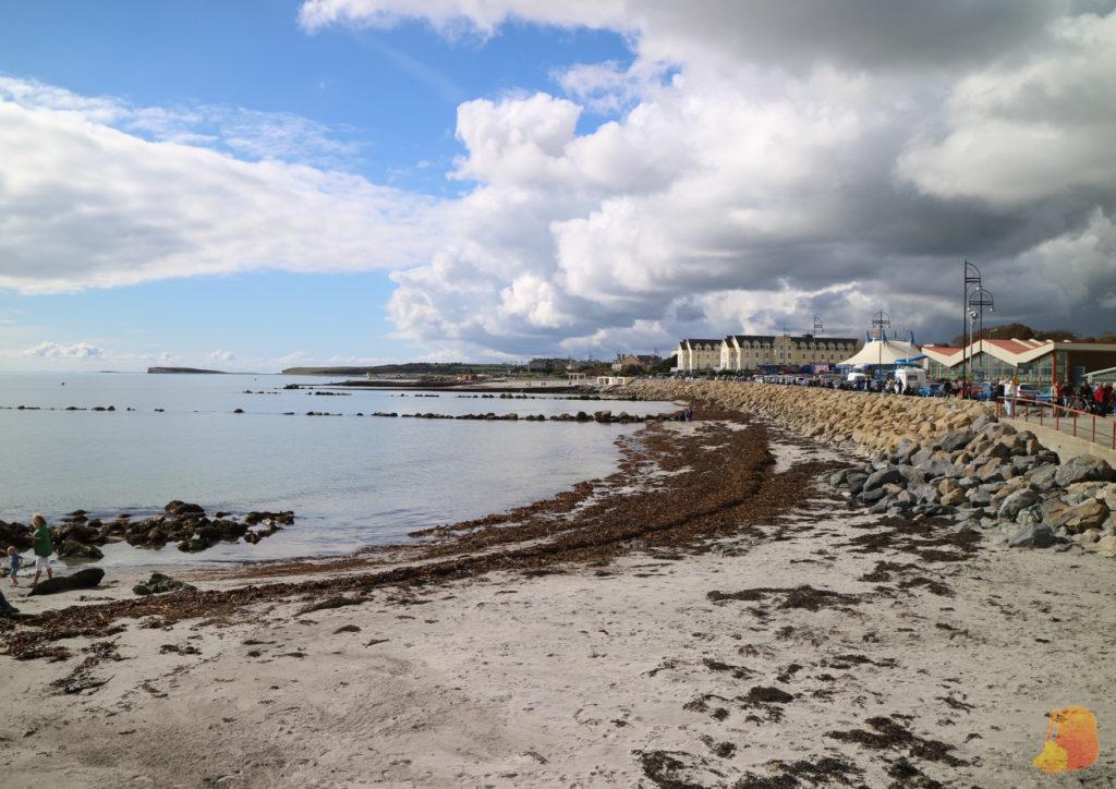 Playa y paseo marítimo de Salthill