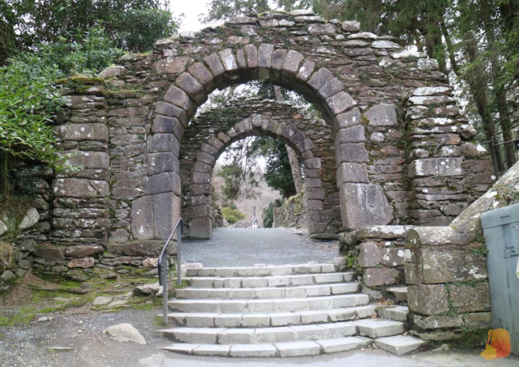 Entrada a Glendalough