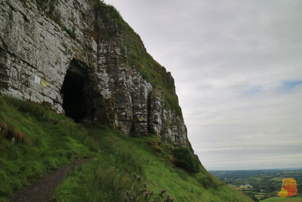 Entrada de la cueva más grande